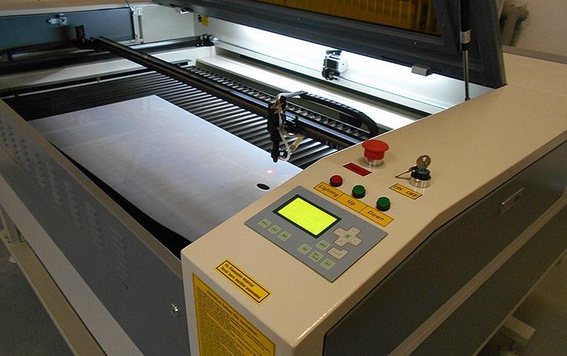 Фото станка для лазерной резки поликарбоната