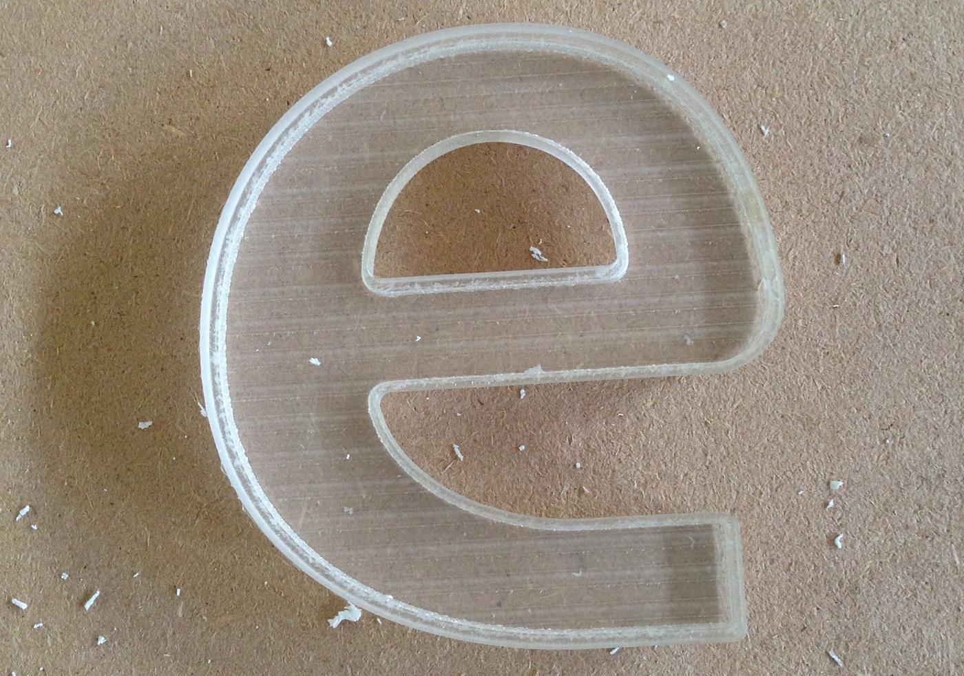 Лазерная резка сотового поликарбоната