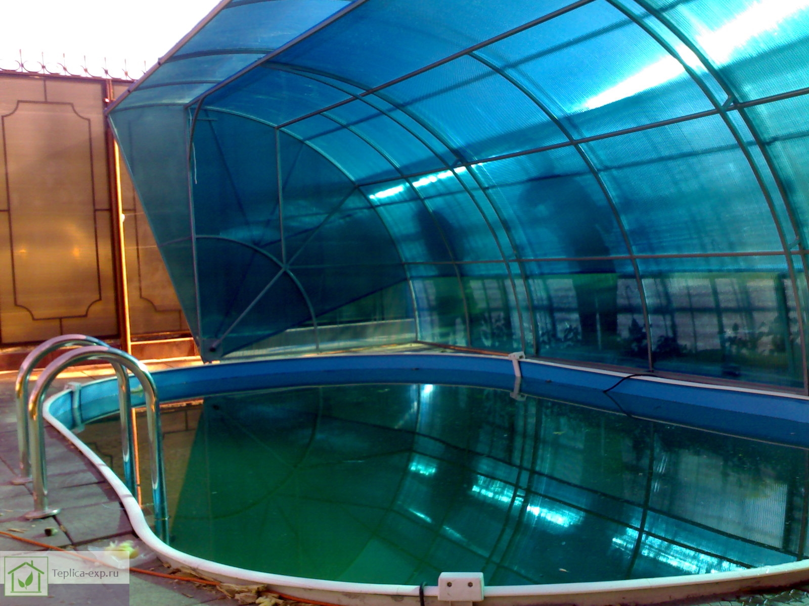 Накрытие из поликарбоната Plastilux для бассейна