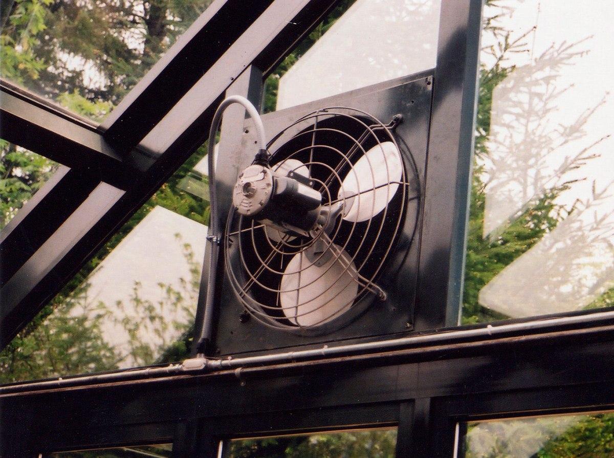 Специальный вентилятор для теплицы