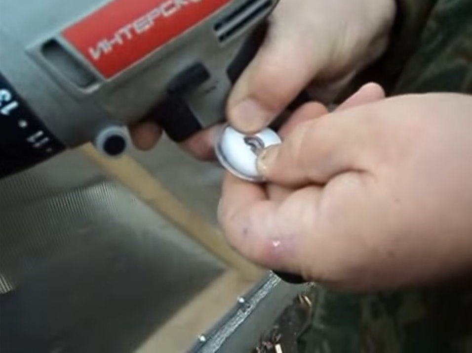 Уплотнитель помещается в термошайбу