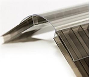 Монтаж поликарбоната на стенки и крышу двускатной теплицы