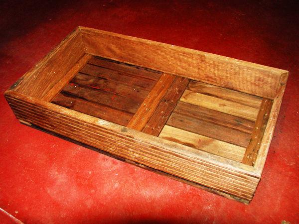 Для изготовления потребуется деревянный ящик