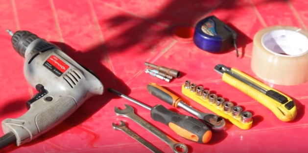 Инструменты, которые понадобятся для сборки парника-хлебницы