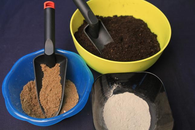 Приготовление грунта для рассады цветов