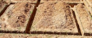 Пример траншеи для фундамента теплицы