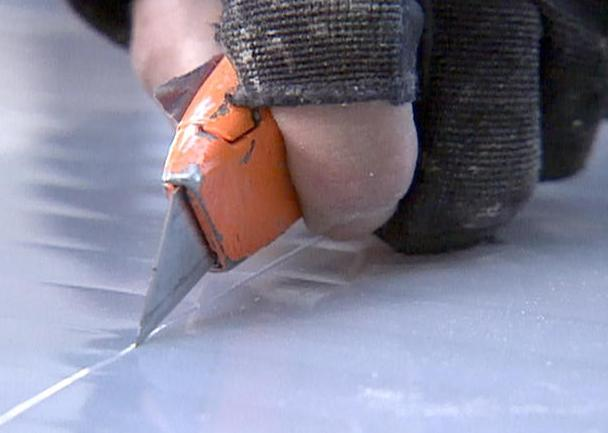 Резка поликарбоната строительным ножом