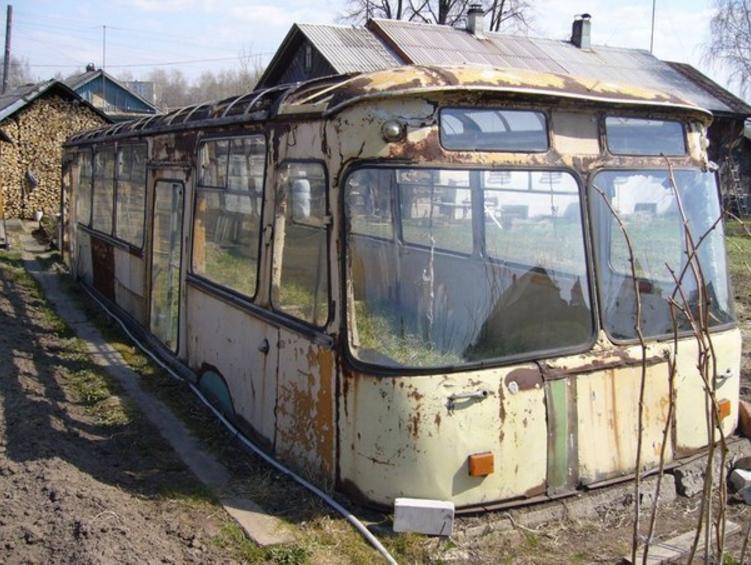 Теплица из старого автобуса