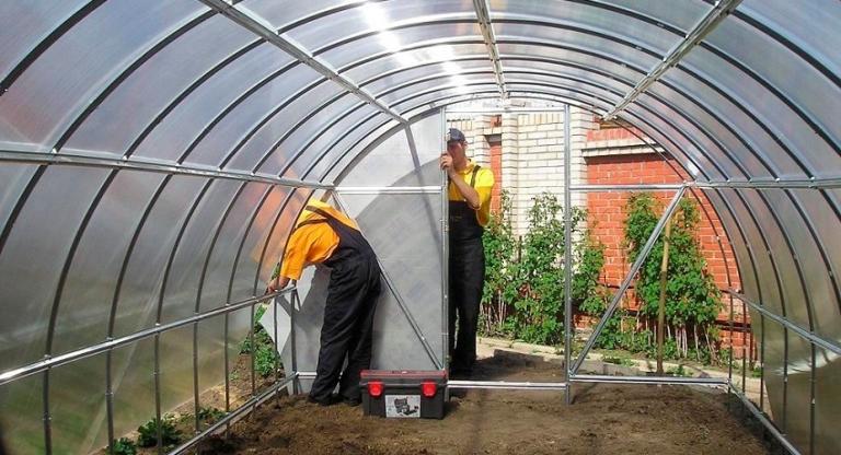 Замена листов сотового поликарбоната