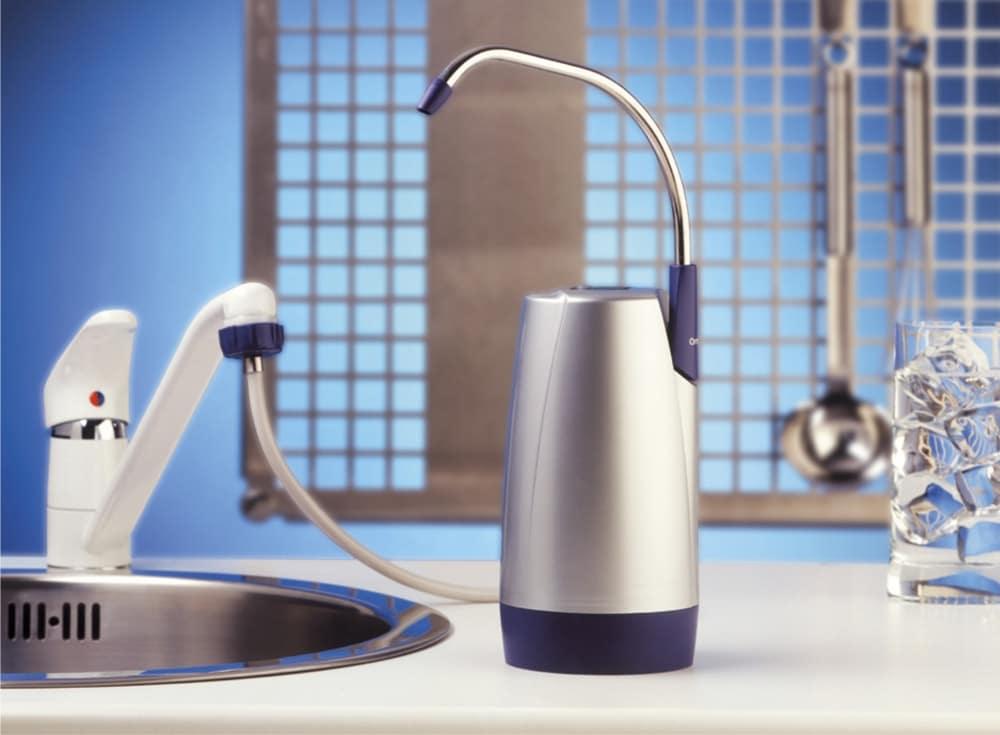 Компактное устройство для очистки воды в квартире