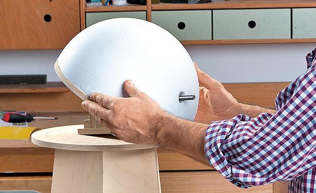 Купол устанавливается на круг из фанеры