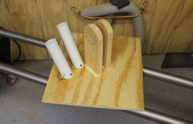 Подставки для лопаты и грабель