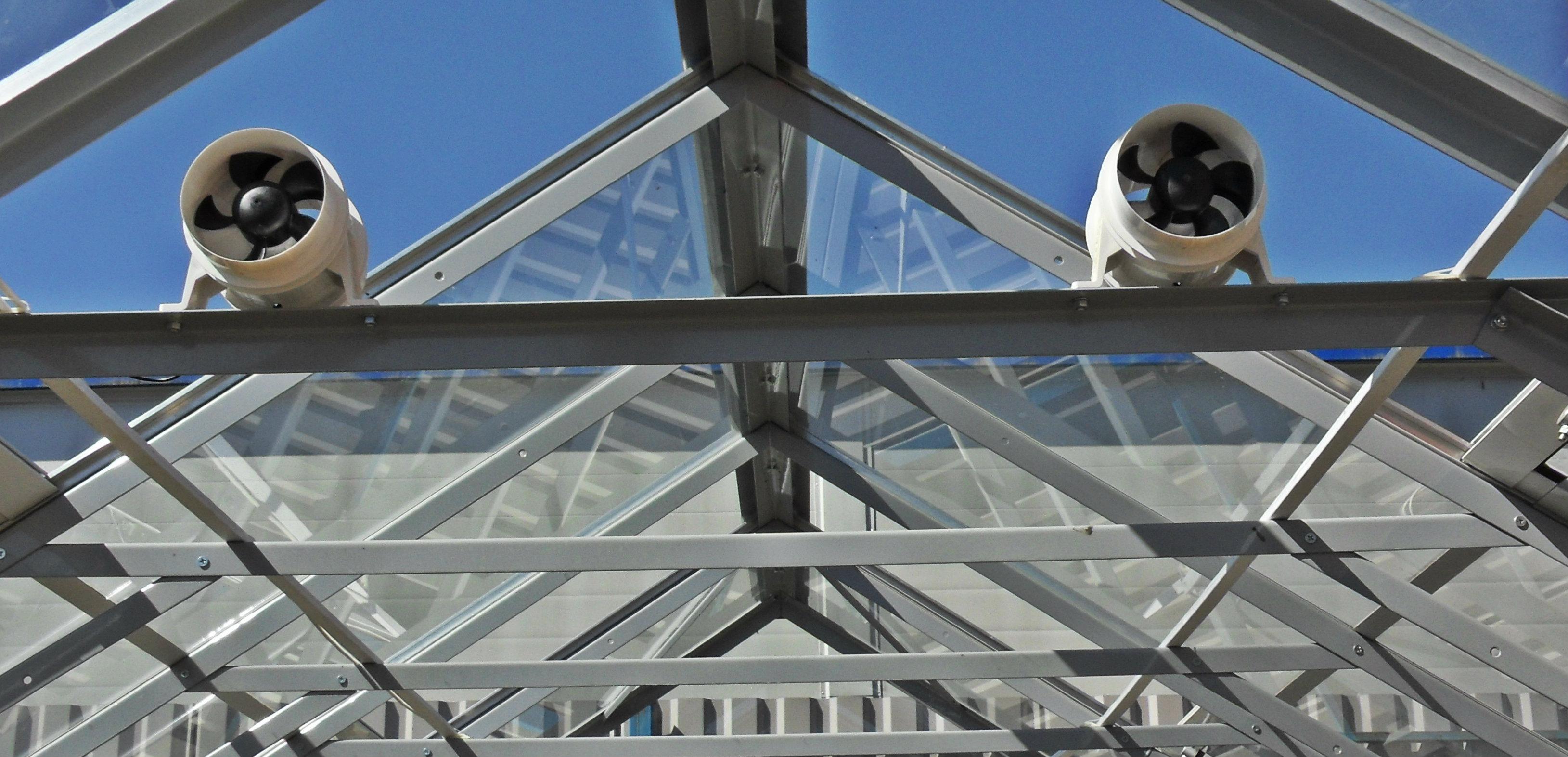 Вентиляторы для принудительного воздухообмена в теплице