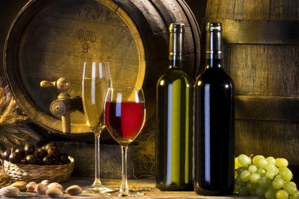 Если вы не умеете самостоятельно делать вино, уксус или другие пищевые продукты из винограда, вам стоит позаботиться об умеренном поливе