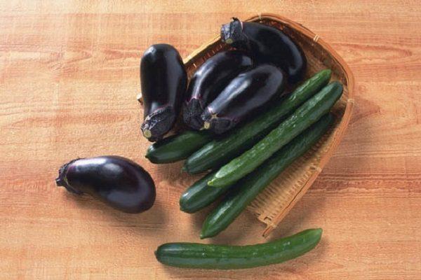 Чем короче срок созревания у овоща, тем больше вероятность того, что чеснок приживется после него