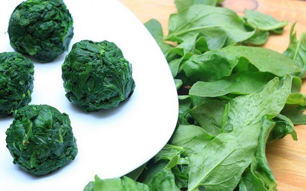 Шпинат можно замораживать, так как зелень не теряет своей пользы