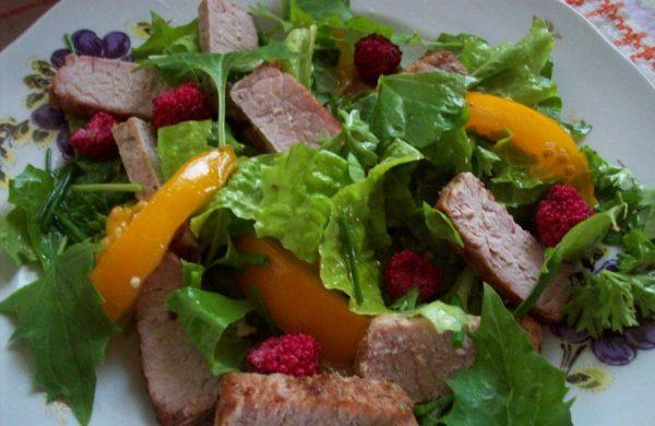 Листья земляничного шпината — отличная зелень для салатов