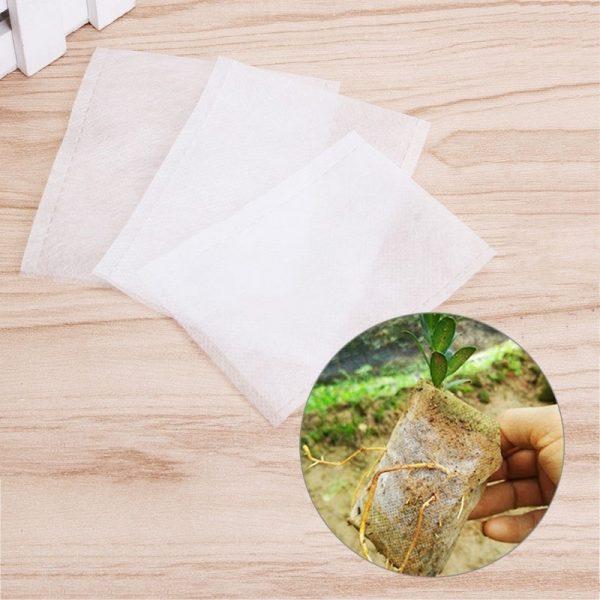 Кусочки ткани подходящего размера
