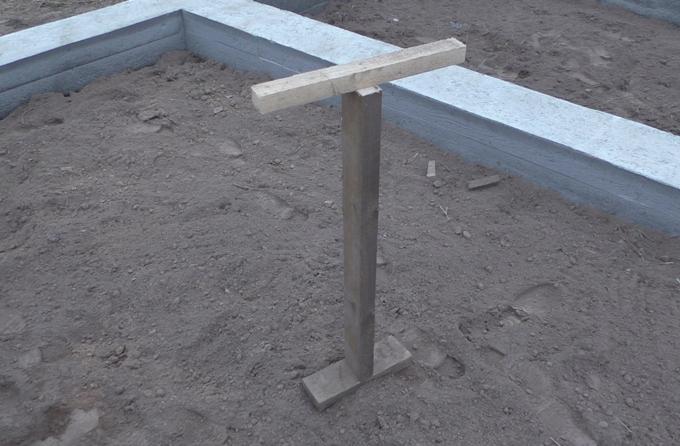 Самодельная деревянная трамбовка
