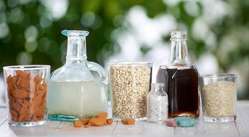 В удобрение для рассады обязательно должны входить: азот (N), калий (K), фосфор (P или P2O5), мезо- и микроэлементы (магний, железо, бор, цинк и другие)
