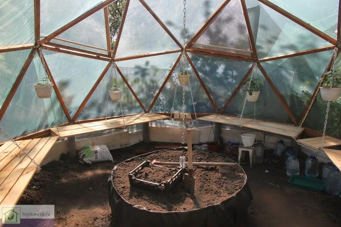 Круглая теплица купол