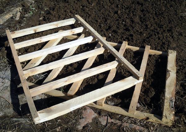 Для этого пригодятся такие деревянные решетки