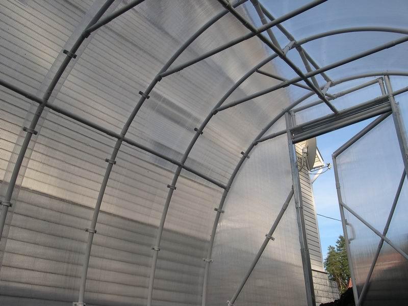 Пример конструкции со сдвигаемой крышей
