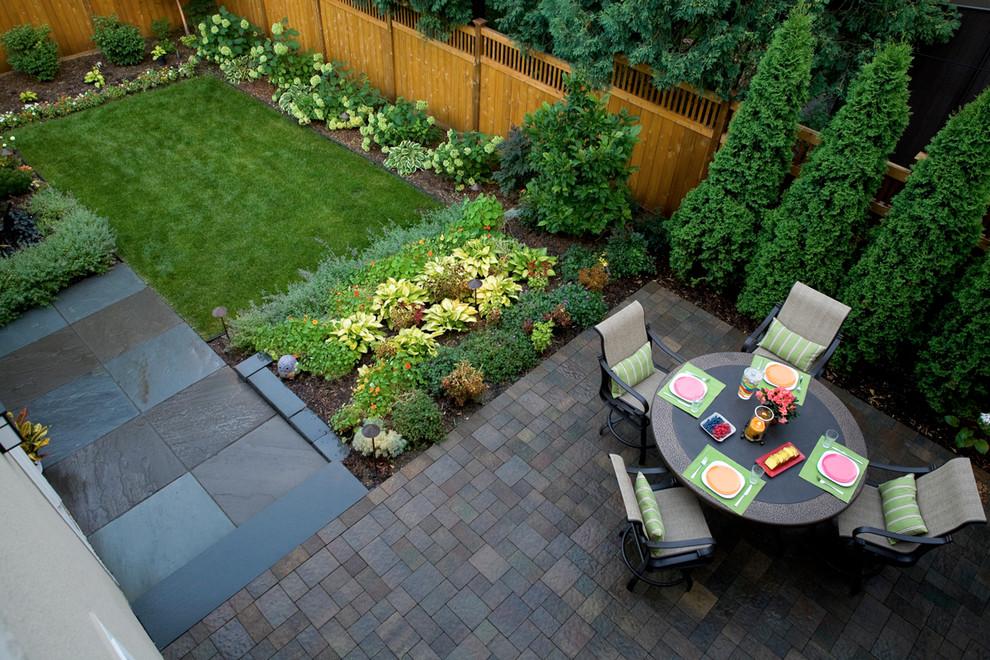 Еще один пример контрастного дизайна для декоративных садовых растений и для грядок