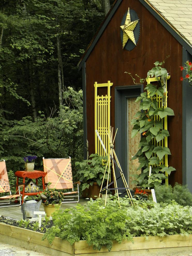 Как будут выглядеть шпалеры для высоких растений — зависит только от вашей фантазии