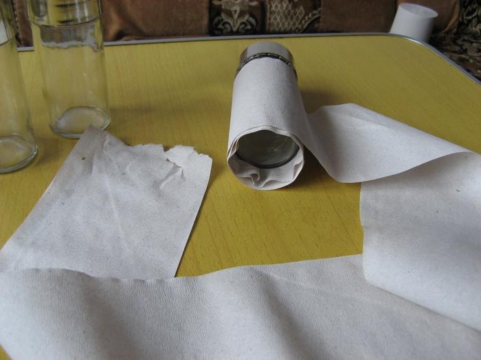 Обматываем форму бумагой