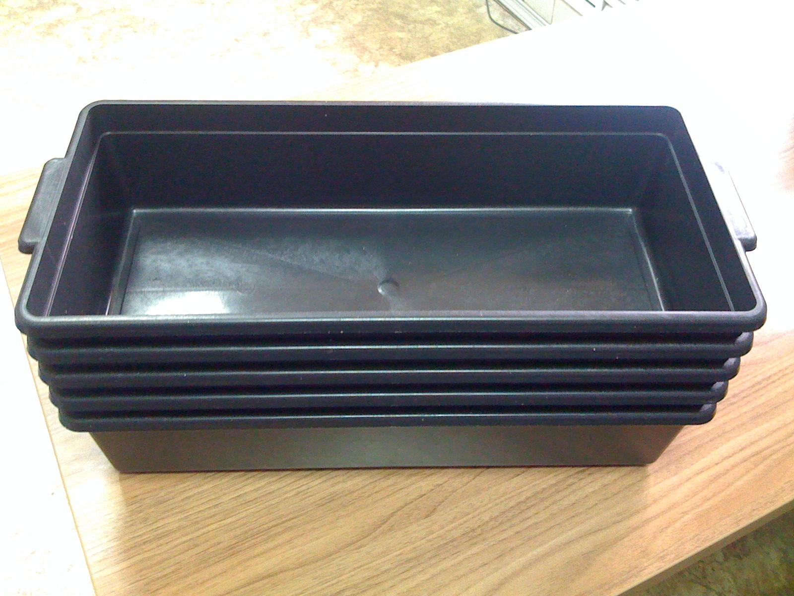 Пластиковый ящик для рассады 19