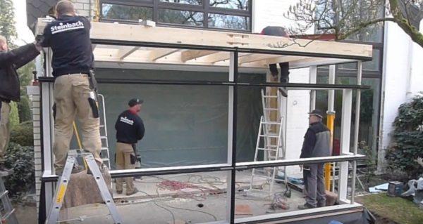 Установка балок крыши